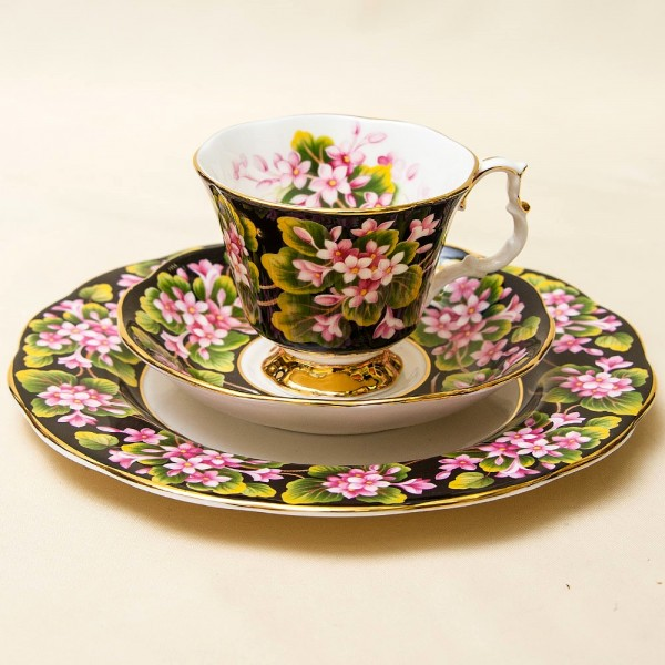 Чайная пара+Тарелка (Тройка) «Боярышник» Фарфор ROYAL ALBERT, Англия -1975 год.