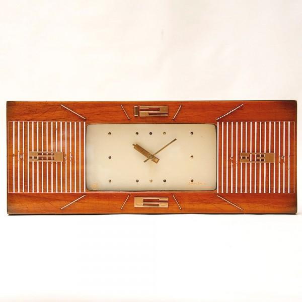 Настольно - Настенные Электронно - Механические Часы «Янтарь» СССР -1973 год.