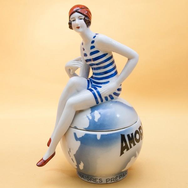 Редкость! Фарфоровая Шкатулка в стиле АРТ- ДЕКО «Девушка на шаре» LUX, Бельгия.
