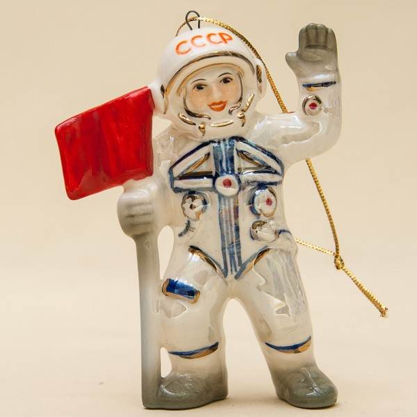 Новогодние Фарфоровые Ёлочные игрушки - «Космонавт с флагом» - Стилизация «Мы родом из СССР».