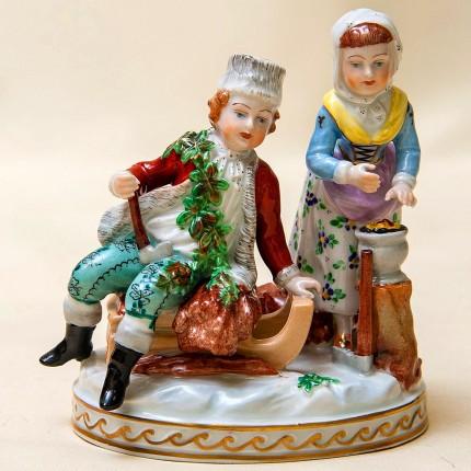Фарфоровая статуэтка «Дети - Маленькие помощники» SP Dresden, Германия середина ХХ века.
