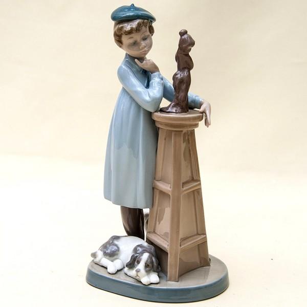 Коллекционная Фарфоровая статуэтка «Маленький скульптор» Lladro, Испания - 1985 год.