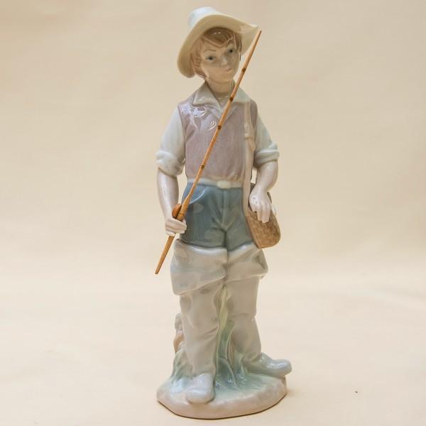 Редкая! Фарфоровая статуэтка «Юный Рыбак» Lladro, Испания - 1971-1974 годы.