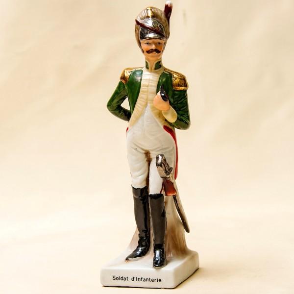 Cтатуэтка Фарфоровая «Солдат Пехоты» из серии «Армия Наполеона»