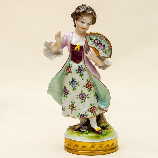 Фарфоровая статуэтка «Девушка с веером» ФОЛКСТЕД - VOLKSTEDT  Германия - 50е годы ХХ века..