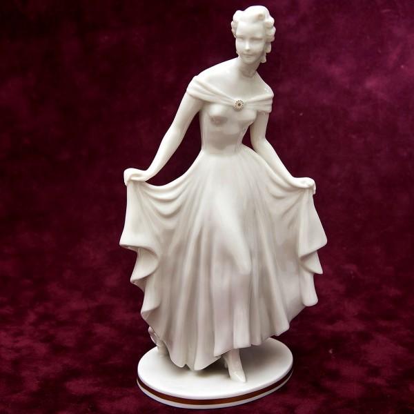 Фарфоровая Статуэтка «Девушка в белом платье», Hutschenreuther, Германия -1955-1968гг.