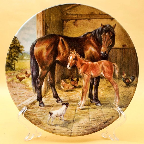 Коллекционная Тарелка «Новорожденный Жеребенок» Фарфор, ROYAL WORCHESTER, Англия.