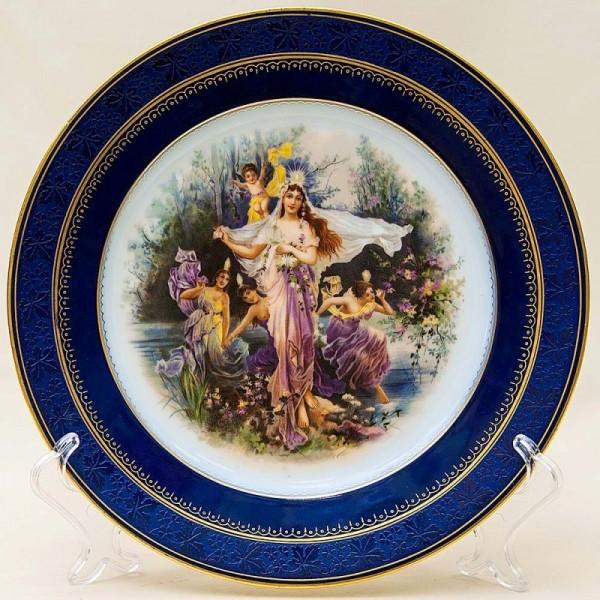 Коллекционная Тарелка «Лесные Нимфы» в стиле рококо Фарфор, Германия, середина ХХ века.