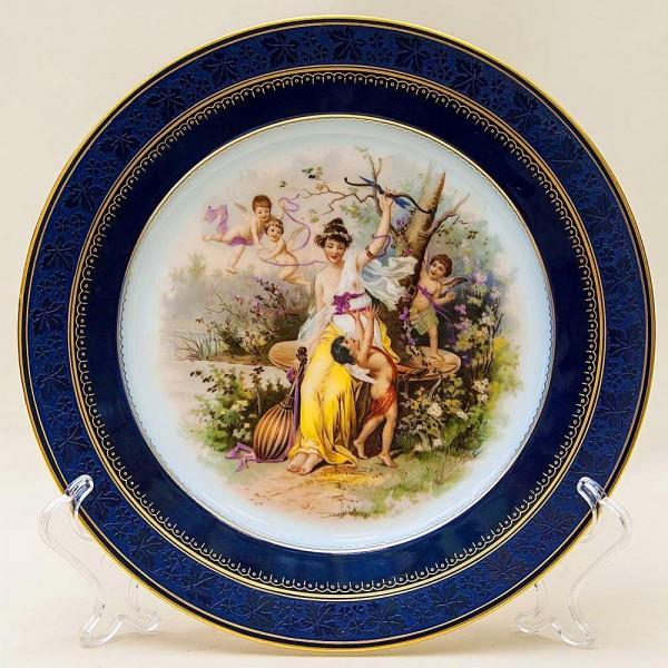 Коллекционная Тарелка «Нимфа и купидоны» в стиле рококо Фарфор, Германия, середина ХХ века.