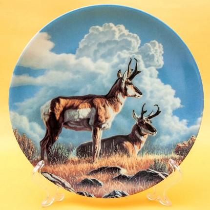 Коллекционная Тарелка Охота - «Вилорогая Антилопа», Фарфор DOMINION Canada LTD. -1990 год.