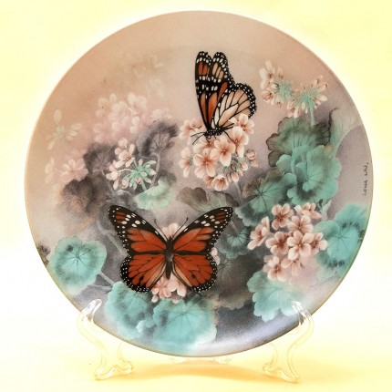 Коллекционная Тарелка «Бабочка Монарх» Фарфор W.J.GEORGE США -1988 год.