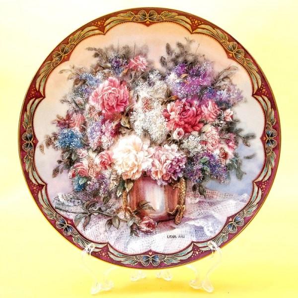Коллекционная Тарелка «Волшебный букет» Фарфор W.J.GEORGE США -1993 год.