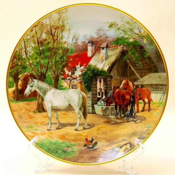 Коллекционная Тарелка «Кони на водопое» Фарфор KAISER Porzellan Германия.