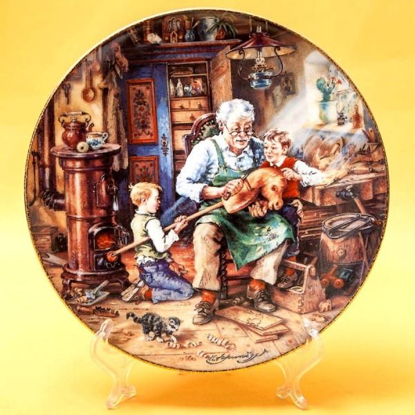 Коллекционная Тарелка «Дедушкина мастерская» Фарфор, Weimar Porzellan Германия -1993 год.