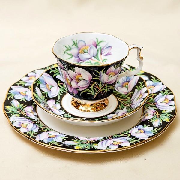 Чайная пара+Тарелка (Тройка) «Подснежник» Фарфор ROYAL ALBERT, Англия -1975 год.