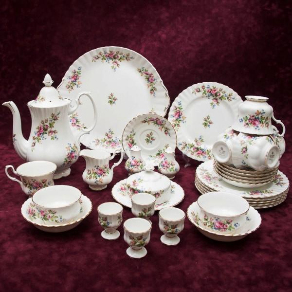 Чайный Сервиз для завтрака «Мускусная роза» Фарфор ROYAL ALBERT, Англия вторая половина ХХ века.