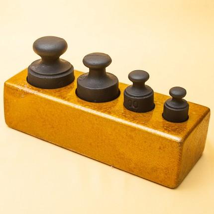 Винтажный «Малый» Набор Гирь для Кухонных Весов от 100 гр. до 1 кг. Германия середина ХХ века.