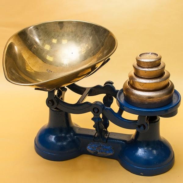 Винтажные Кухонные Весы «The VIKING» с чашкой для сыпучих продуктов на 10 фунтов, Англия начало ХХ века.