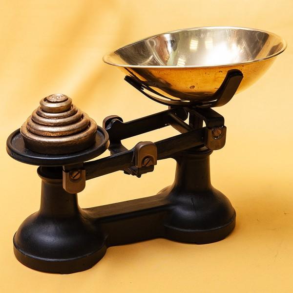 Винтажные Кухонные Весы «The VIKING» с чашкой для сыпучих продуктов на 10 фунтов, Англия середина ХХ века.