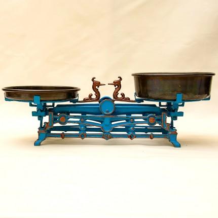 Винтажные Кухонные весы «MENAGE» с двумя чашами на 3 кг. Франция первая половина ХХ века!