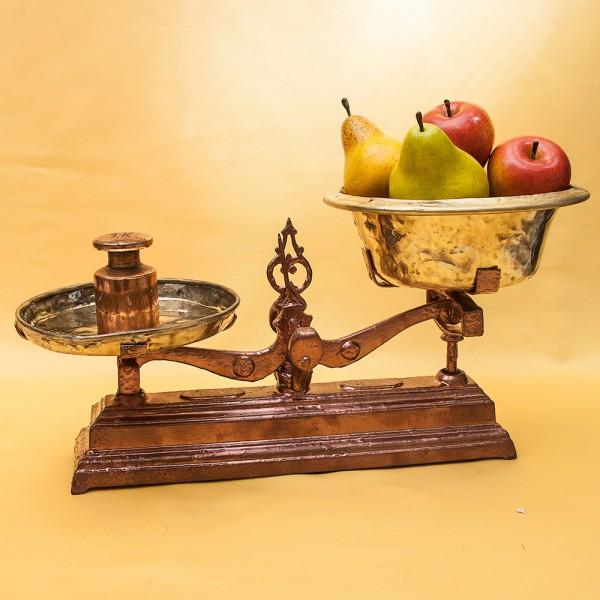 Винтажные Кухонные весы с двумя латунными чашами Германия начало ХХ века!