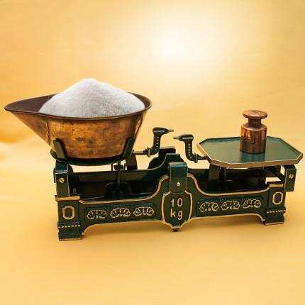 Винтажные  Кухонные весы с чашкой для сыпучих продуктов на 10кг. Франция начало ХХ века.