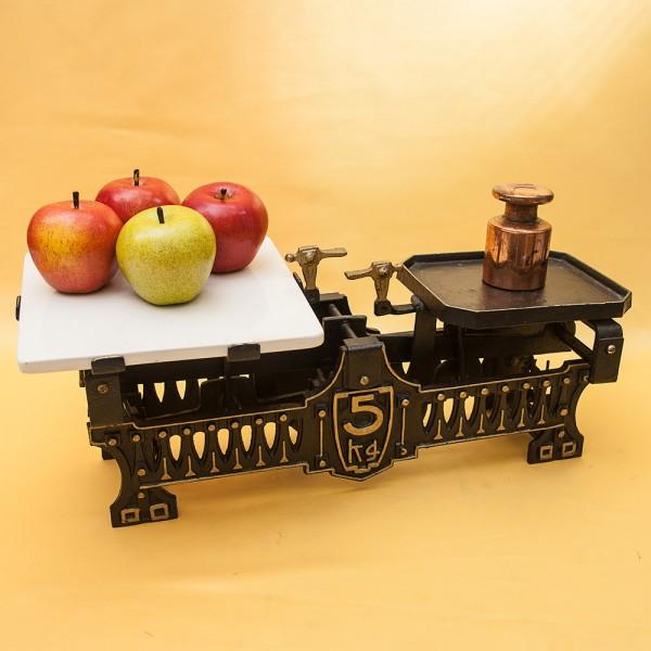 Винтажные  Кухонные весы с керамической платформой на 5кг. Франция начало ХХ века.