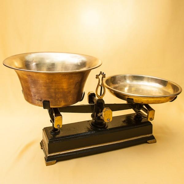 Винтажный Чугунные Кухонные весы с двумя чашками на 5 кг. Франция начало ХХ века!
