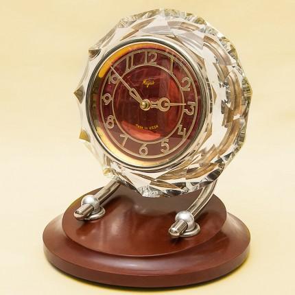 Легендарные Механические Часы «Рубиновый МАЯК» в хрустальном корпусе - СССР - 1965 год.