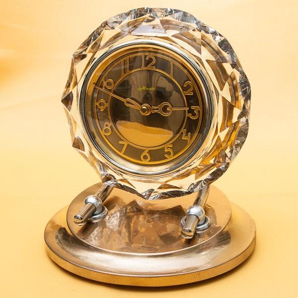 Механические Настольные Часы «Золотой МАЯК» в хрустальном корпусе - СССР - 1975 год.