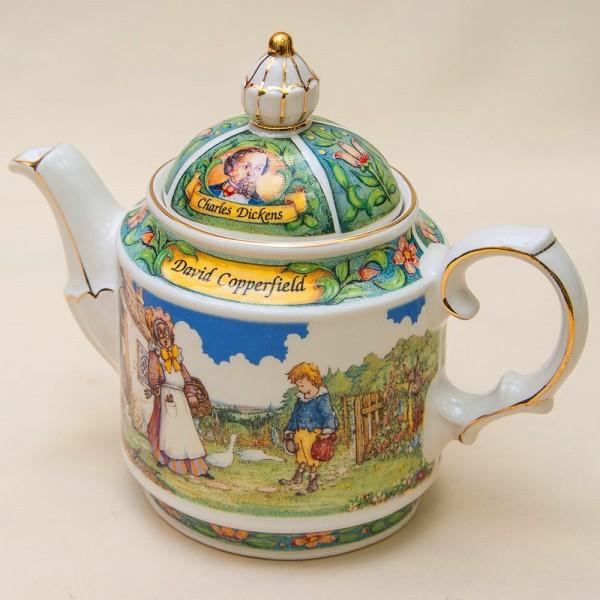 Коллекционный Заварочный Чайник «Жизнь Дэвида Копперфильда» Фарфор SADLER  Англия.