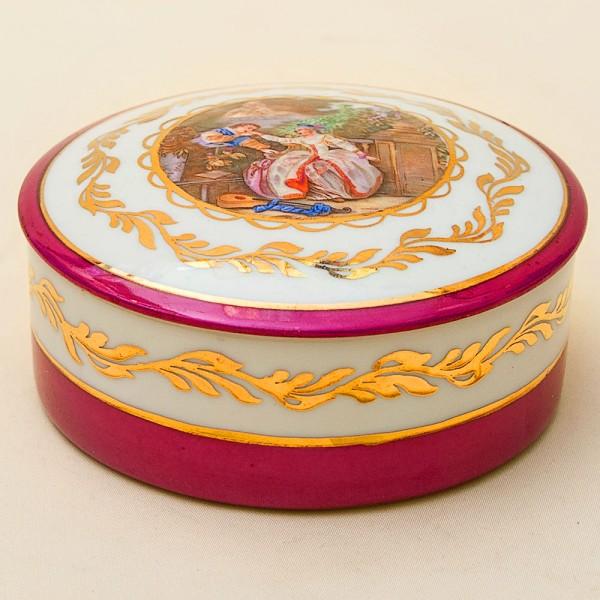 Винтажная Фарфоровая Шкатулка «Дама с Кавалером» Лимож Limoges Франция.