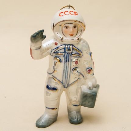 Новогодние Фарфоровые Ёлочные игрушки - «Космонавт на Старте» - Стилизация «Мы родом из СССР».
