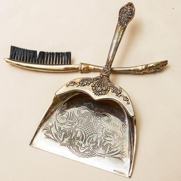 Винтажный Набор Щётка с Совком для уборки крошек со стола, Silverplated, Франция, середина ХХ века.