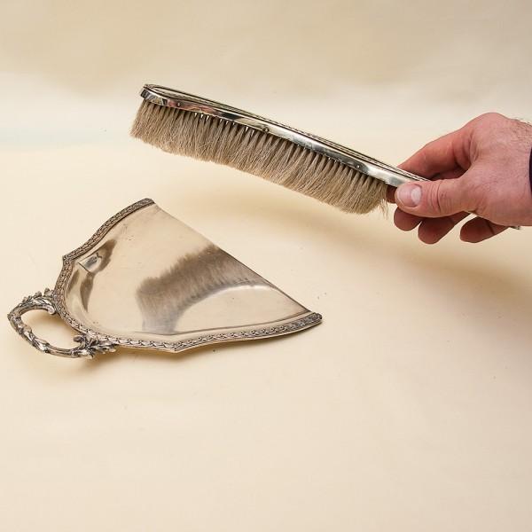 Щётка с совком для уборки крошек со стола, металл Silverplated - Франция, середина ХХ века.