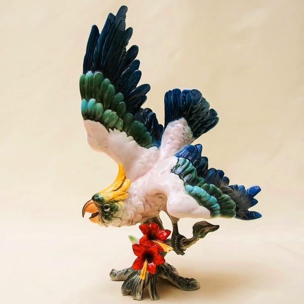Редкая! Птица - Фарфоровая статуэтка «Голубчик» - «Взлетающий Попугай» KAISER Германия -1970г.