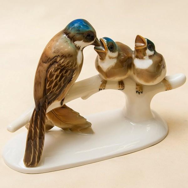 Редкость! Фарфоровая Статуэтка «Птицы - Кормление птенцов», Hutschenreuther, Германия -1920 год.