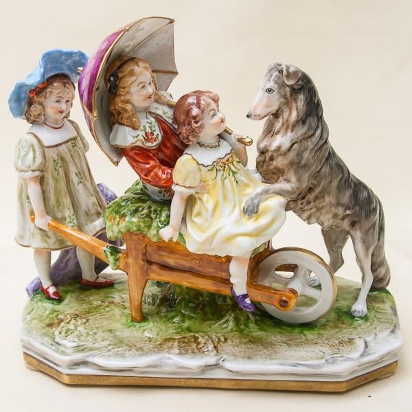 Коллекционная Статуэтка «Три девочки и собака», Фарфор Scheibe - Alsbach Германия - 1952-1972 гг.