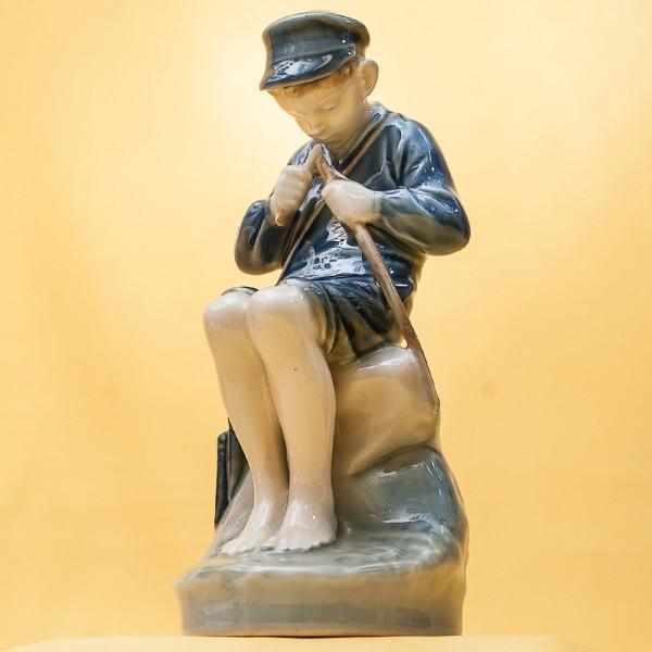 Фарфоровая Статуэтка «Мальчик - Пастух» ROYAL COPENHAGEN,  Дания, 50 -е годы ХХ века.