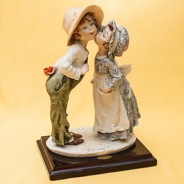 Коллекционная Скульптурная Композиция «Яблоко и Поцелуй» Giuseppe ARMANI, Италия -1982г.