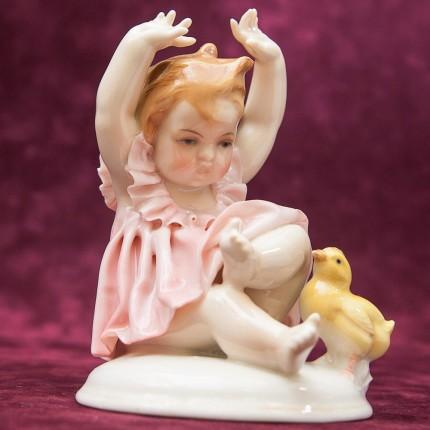 Редкость!!! Фарфоровая Статуэтка «Девочка и Цыплёнок», Карл Энц / Karl Enz, Германия, 30-е гг.
