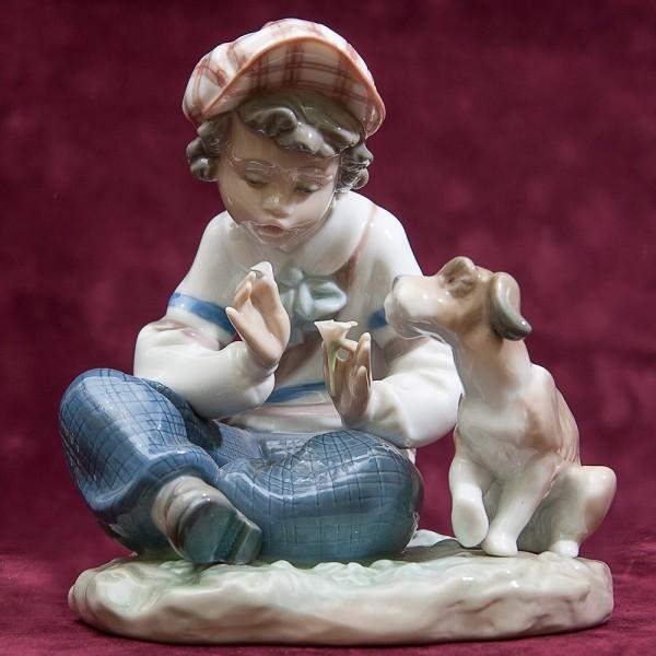Коллекционная Фарфоровая статуэтка «Отрывая лепестки» Lladro, Испания - 1986 год.