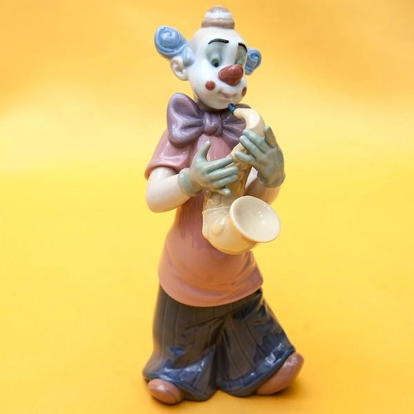 Фарфоровая статуэтка «Клоун с Саксофоном».  NAO by Lladro, Daisa, Испания - 2004 год..