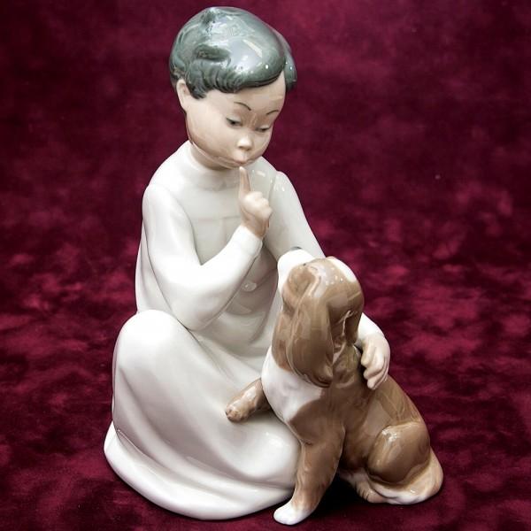 Редкая! Фарфоровая статуэтка «Мальчик с собакой» Lladro, Испания - 1970 год.
