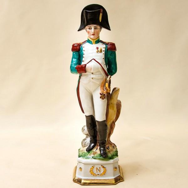 Статуэтка «Наполеон Бонапарт» из серии «Армия Наполеона» Фарфор Porcelain De LUXE Франция 60гг.