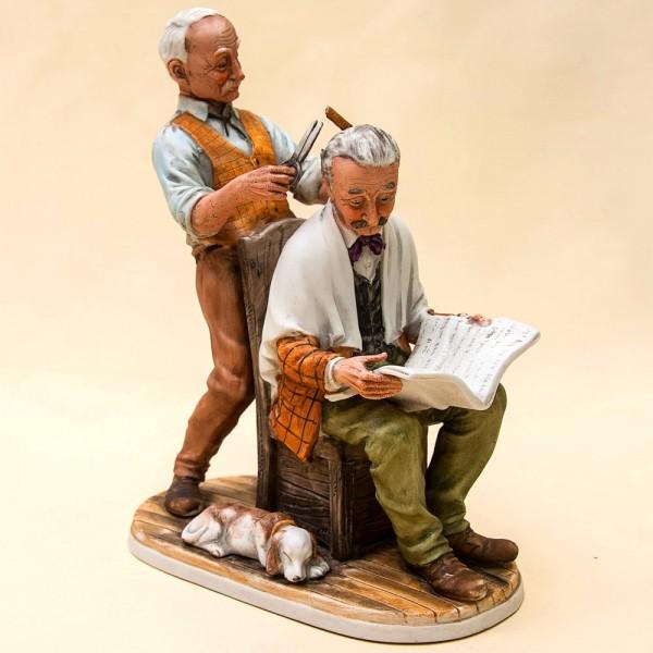 Скульптурная Композиция «Парикмахер» Н-24,5 см. Capodimonte Италия -60гг.