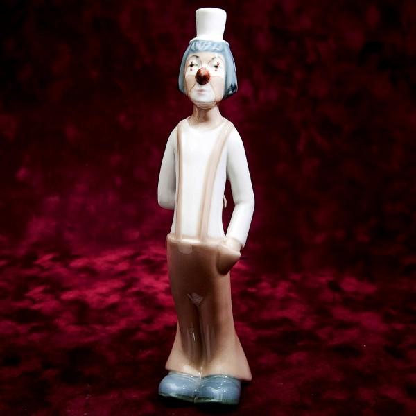 Коллекционная Фарфоровая статуэтка «Мечтающий Клоун» Н - 24 см. Casades, Испания.
