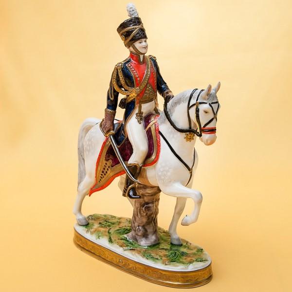«Офицер Гусар на Коне» Фарфоровая Cтатуэтка из серии «Солдаты Британской Армии» Германия 1961-1972 годы.