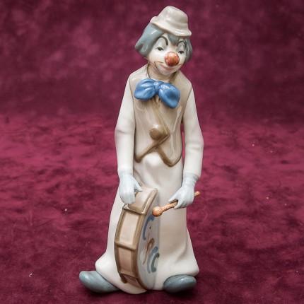Коллекционная Фарфоровая статуэтка «Клоун с Барабаном» Н - 23,5 см. Casades, Испания.