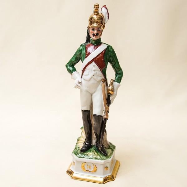 Статуэтка «Драгун» из серии «Армия Наполеона» Фарфор Porcelain De LUXE Франция 60гг.